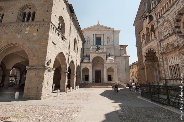 Piazza del Duomo Bergamo Italia