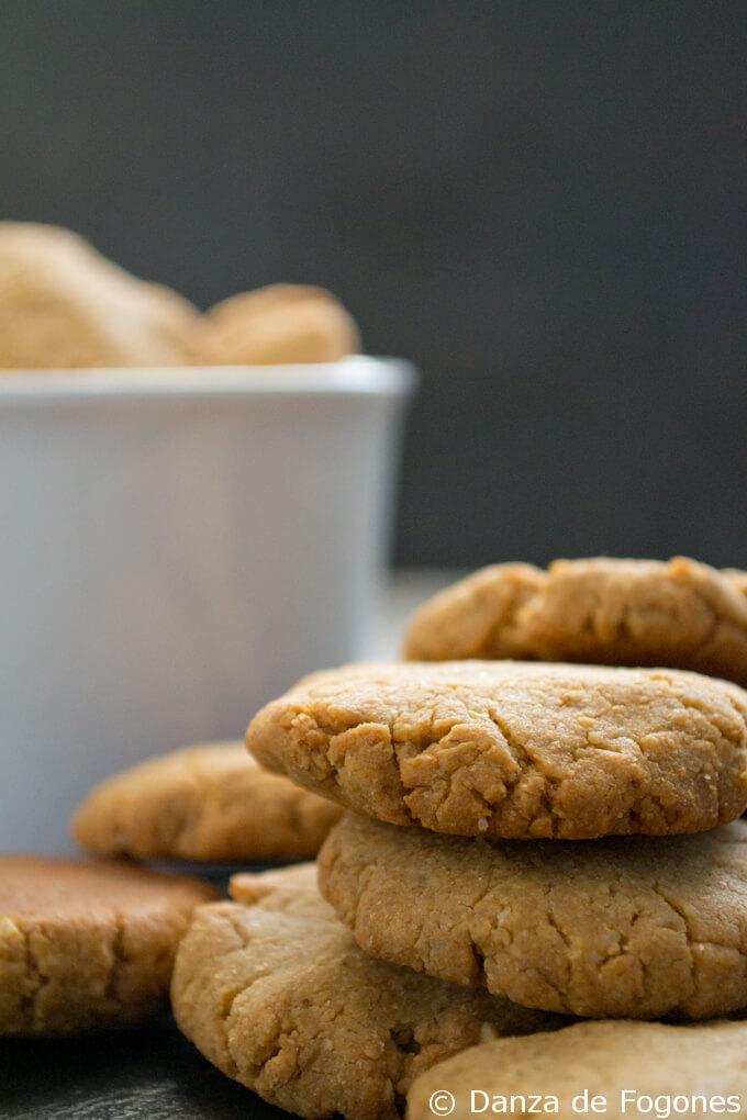 vegan peanut cookies