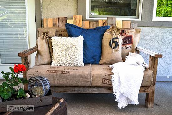 sofa cantik dari palet bekas