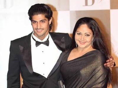 Tanuj Virwani with mother Rati Agnihotri