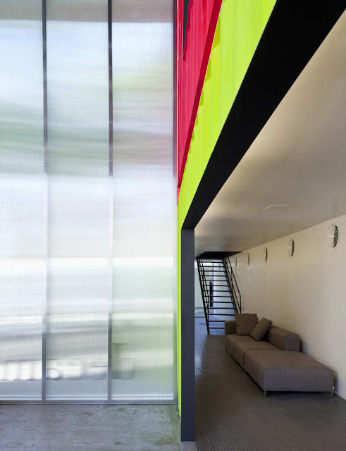 Decameron - Low Budget Colorful Shipping Container Store, Brazil 22