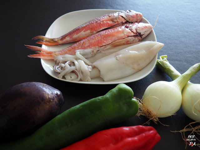 Versión ligera del fish & chips, con plancha en lugar de rebozado y fritura y verduras sustituyendo a las patatas.