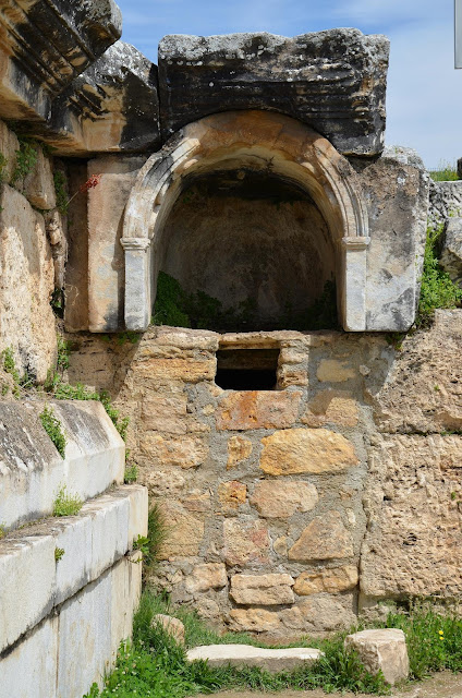 Scientists discover secret of the 'Gate to Hell' at ancient Hierapolis