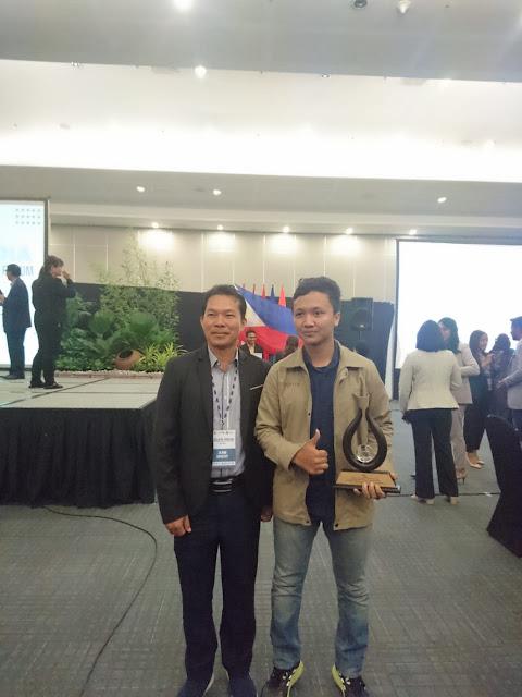 Ciptakan Alat Bantu Punguti Brondolan Sawit Bagi Petani, Mahasiswa IPB Raih Penghargaan Internasional