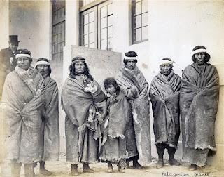 Fotografía de los gigantes patagónicos, indios tehuelches en 1904