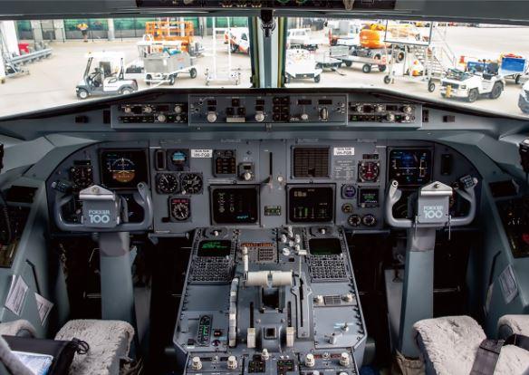 Fokker 100 cockpit