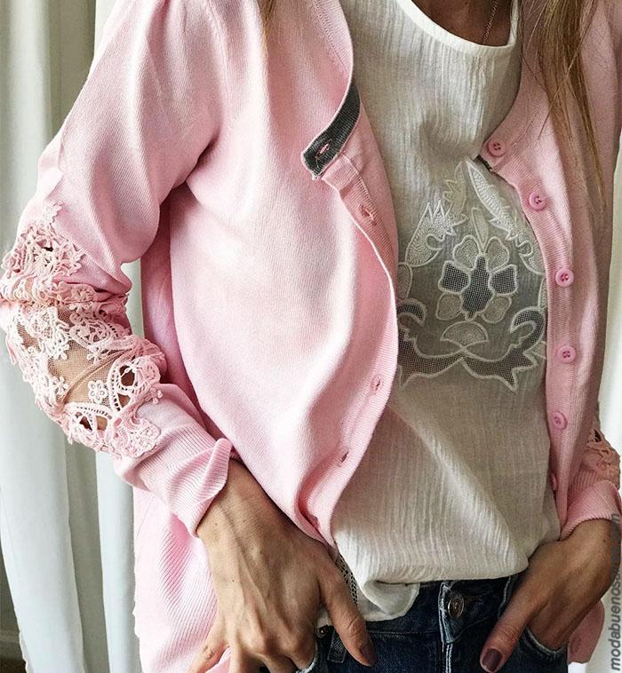 Saquito de mujer con encaje en manga 2019. Moda invierno 2019 argentina. Ropa de mujer precios argentina. Sweaters y sacos tejidos. Blusas y camisas 2019 precios.