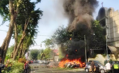 Berdar Foto dan Video Gambar Bom Surabaya 2018 Tanpa Sensor di Internet