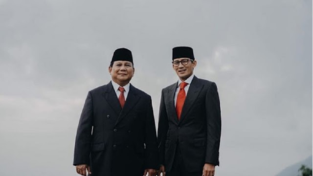 Menilik Makna Foto Senyum Prabowo-Sandi Jelang Putusan MK