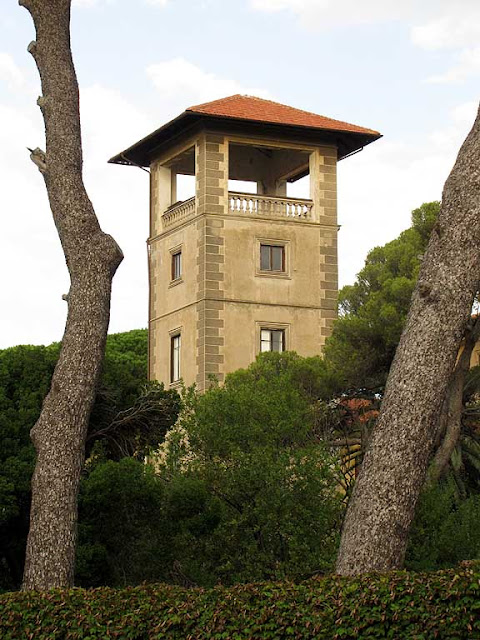 The tower of the former villa which now hosts the Dal Borro elementary school, via Montebello, Livorno