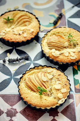 Tart sa kruškama i bademom