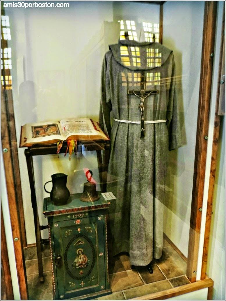 Vestimentas de la Época de la Misión Dolores, San Francisco