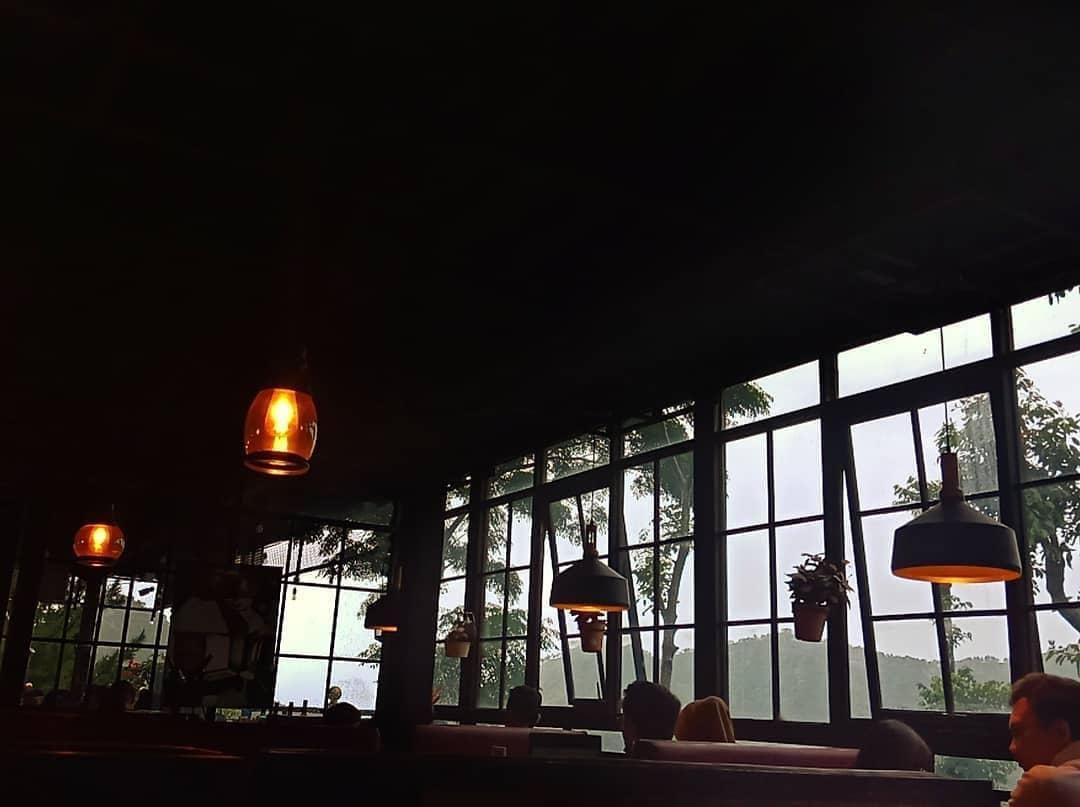 edensor hills cafe & resto