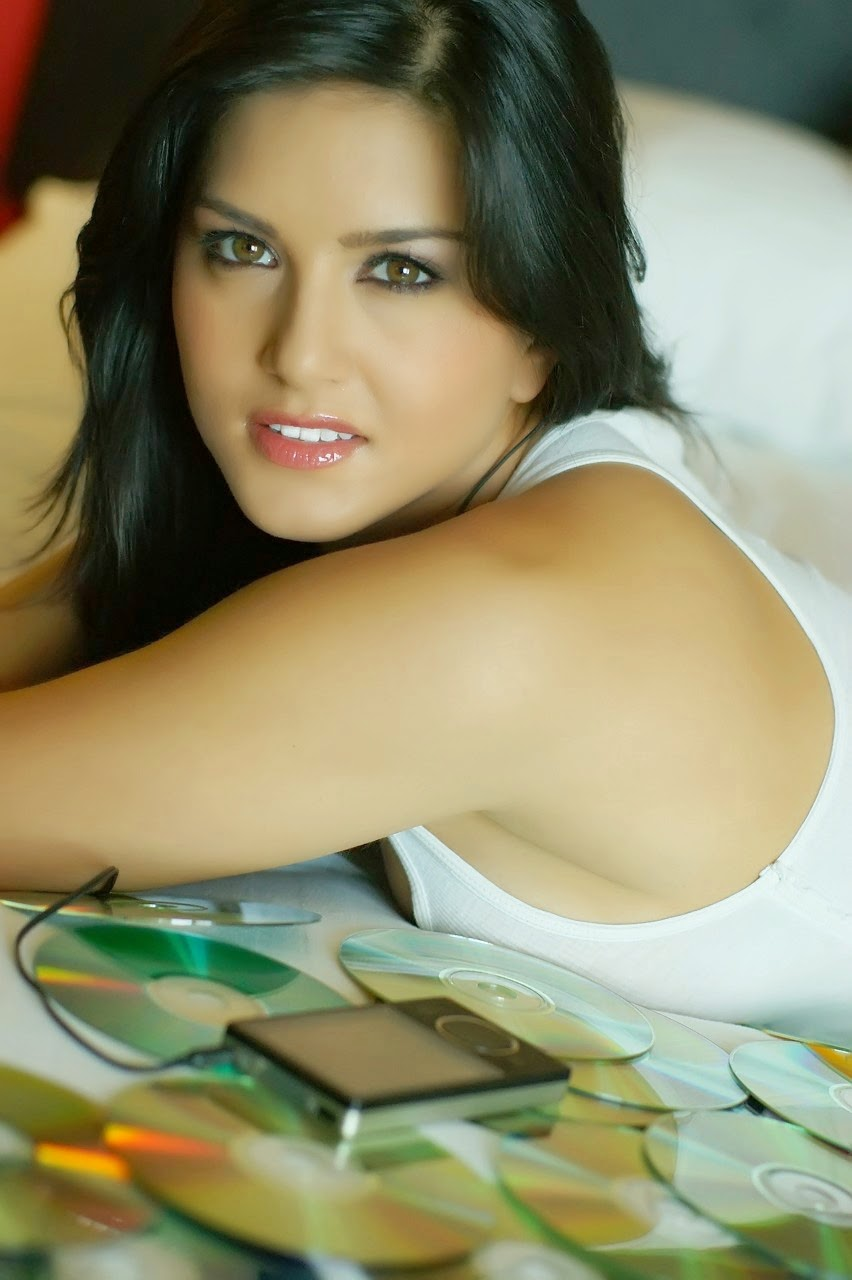 Sunny Leone Hot HD Wallpapers Album