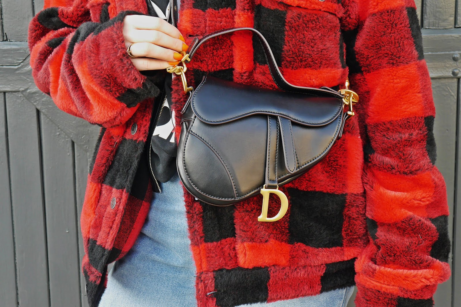 dior saddle bag fake baggining red plaid jacket man woman pull&bear outfit look denim pants superstar adidas earings fashion blogger