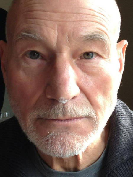 Patrick Stewart Has the Most Amusing Twitter Feed Ever (19 pics)