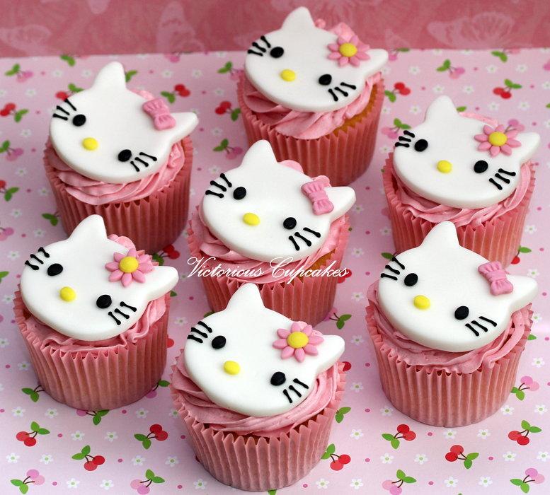 Birthday Cake Hello Kitty Cupcakes