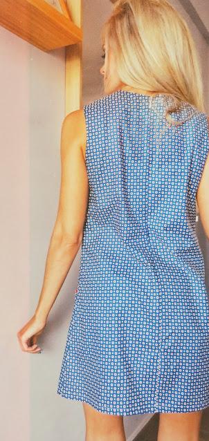 Alejandra Colomera luciendo el vestido Birkin, un diseño inspirado en los 60