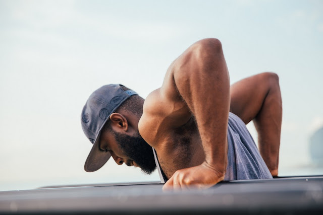 dips exercice musculation pectoraux triceps