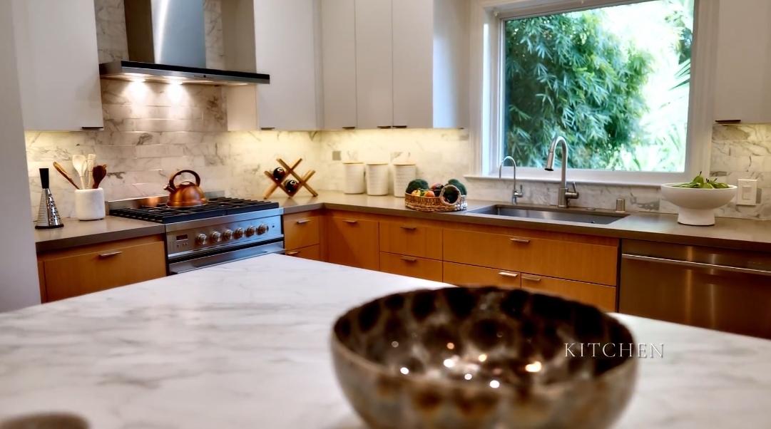 23 Interior Design Photos vs. 5850 Romany Rd, Oakland, CA Home Tour
