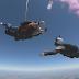 Casal descobre sexo de bebê durante salto de paraquedas
