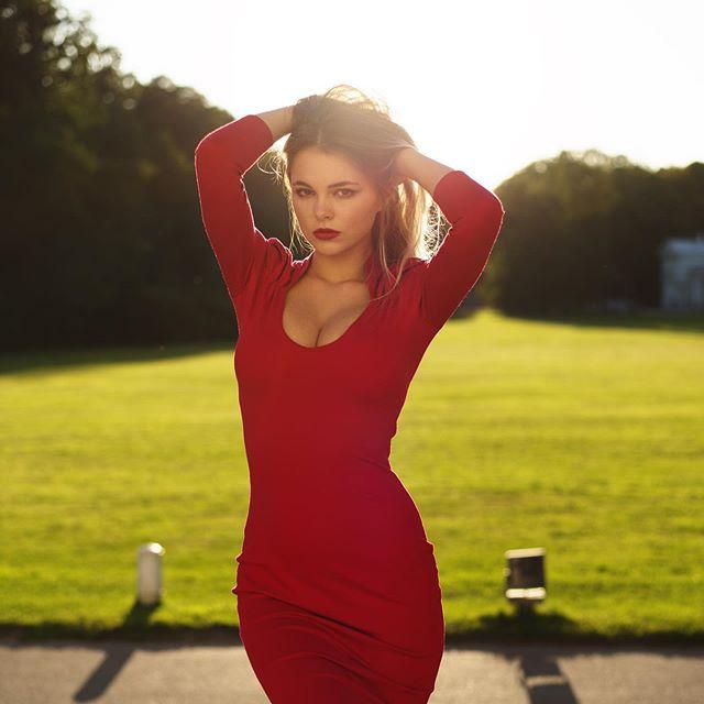 Oktyabrina Maximova Photos