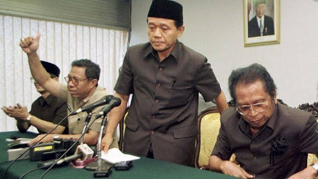 Langgar Konstitusi untuk Selamatkan Rakyat, Mahfud Contohkan Soekarno dan Harmoko