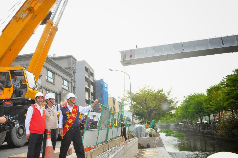 目前莊敬5街莊敬6街往縣治2期的橋樑未完工