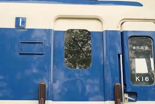 新幹線の入口ドア