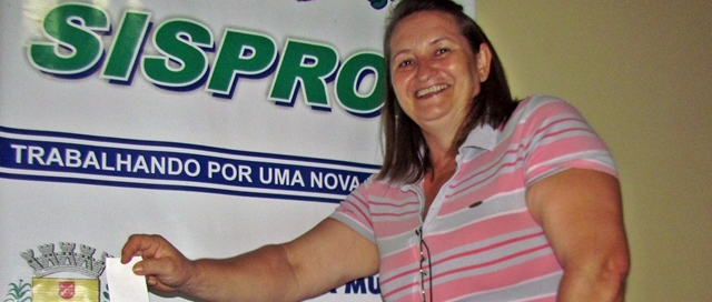 Maria Bodnar toma posse como vereadora de Roncador