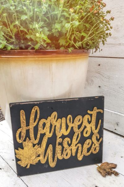 hand painted wooden signs   On The Creek Blog // www.onthecreekblog.com