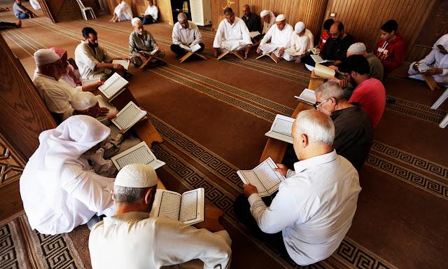 Teori Peran dan Tugas Takmir Masjid