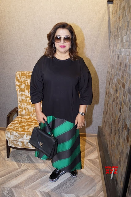 Farah-khan-at-Marshalls-store-photo