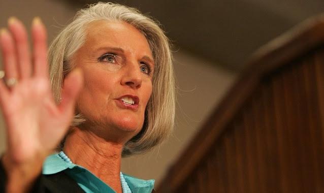 """""""Não se deixe intimidar pela cultura do cancelamento"""", diz filha de Billy Graham"""
