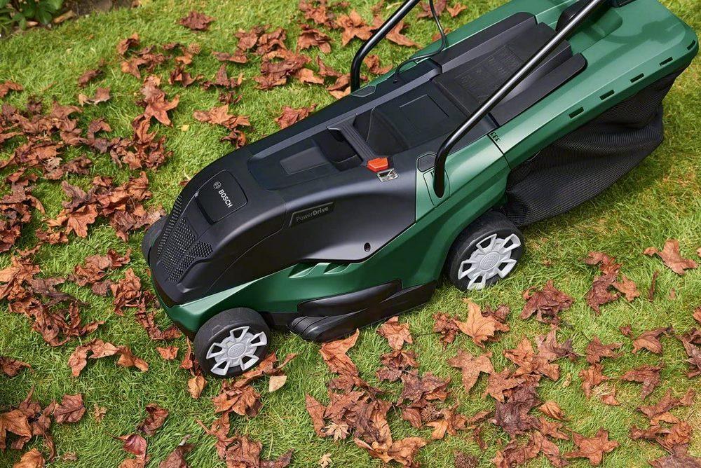 Cortacésped eléctrico con capacidad para triturar hojas