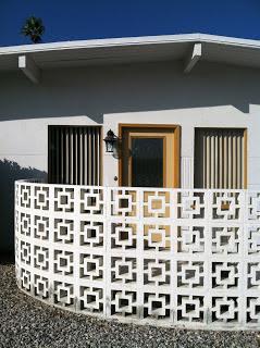 Roster Beton sebagai pagar rumah