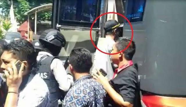 Bupati Pamekasan yang Pernah Ancam Sanksi PNS yang Terlibat HTI ini Ditangkap KPK