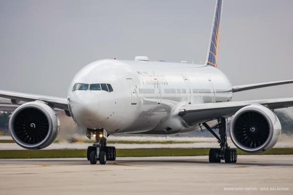 PAL Boeing 777-300ER