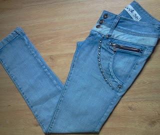 calça jeans tachinhas Bivik 36