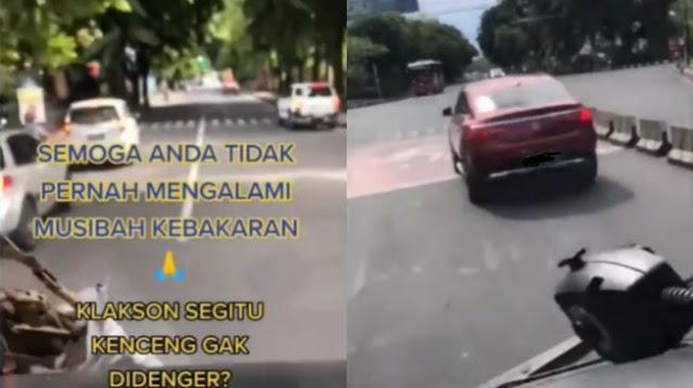 Mobil Mewah Halangi Jalan Mobil Pemadam Kebakaran, Warganet Geram