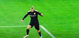 إيرلينج هالاند لاعب بوروسيا دورتموند الألمانى