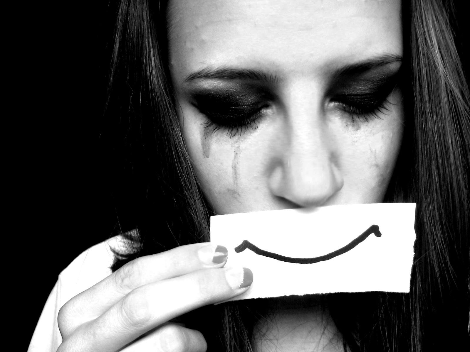 Feel My Heart . . .: I hide my tears in my smile. . . :~)