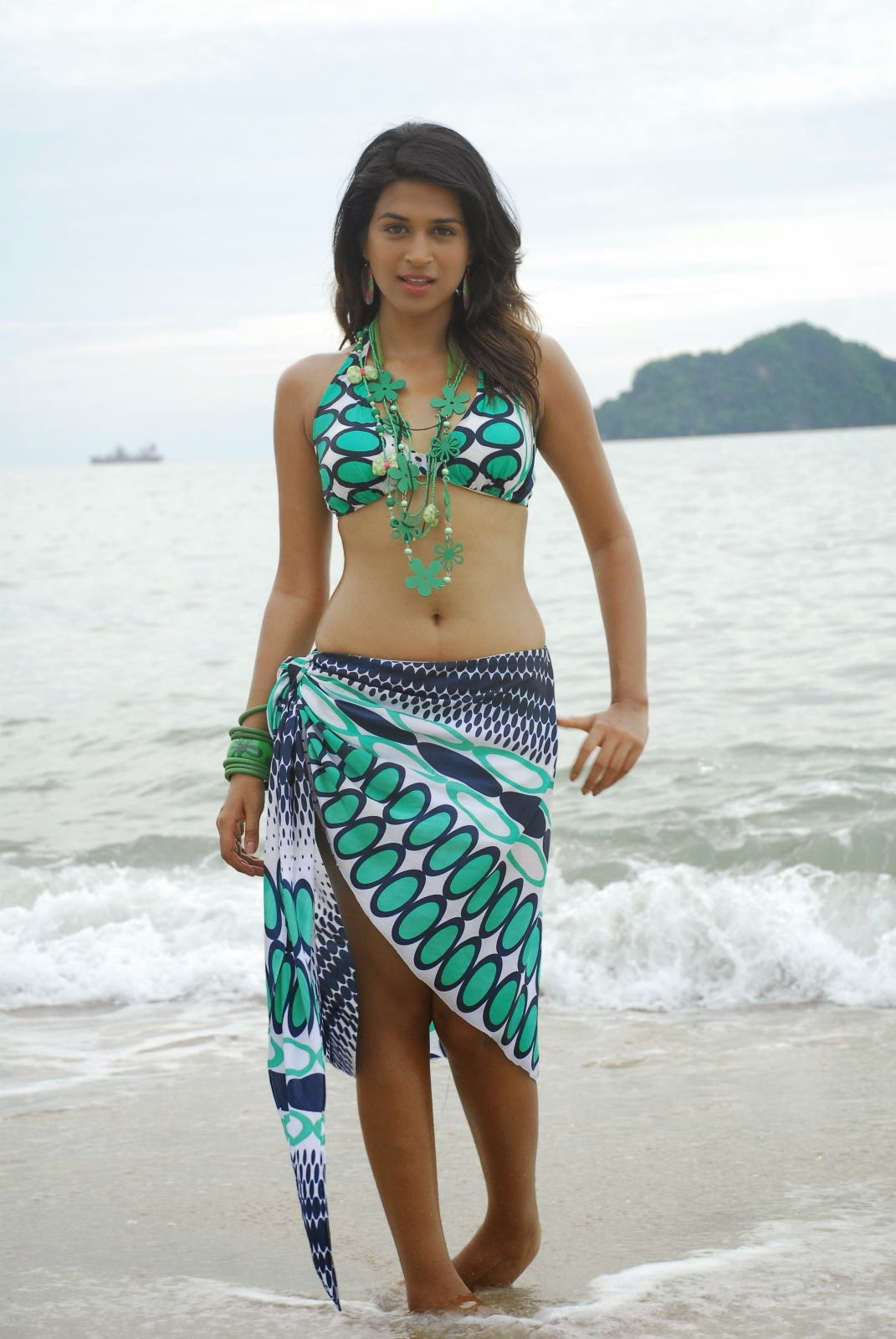 bollywood hollywood bikini Actress