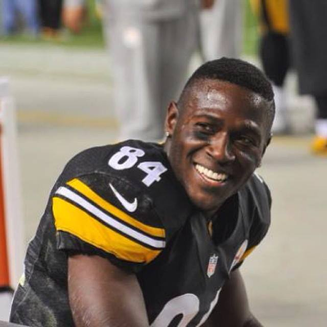 Antonio Brown wife, net worth, age, height, old, ali brown, dwts, marquise brown, patriots, raiders, release, 49ers, bills, masked singer, buffalo bills, steelers, packers, nfl, pittsburgh steelers, ryan clark, redskins, tom brady, mike mayock, nike