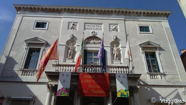 L'esterno del Teatro la Fenice di Venezia