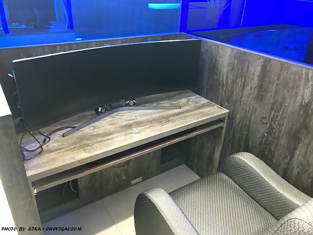 IMG 1223 - 台中大里│吉吉網路生活館-大里店。號稱台中最狂電競網咖,49吋大螢幕讓你身歷其境!