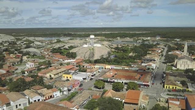 Chaval e Barroquinha estão entre as 73 cidades do Ceará que passaram o limite de gastos