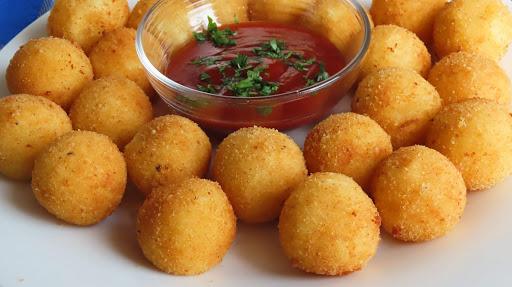 Kuglice od krumpira i mozzarelle / Cheese potato balls
