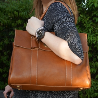 AwayFromTheBlue | Mulberry Oak Bayswater tote on shoulder JORD black Fieldcrest wood watch
