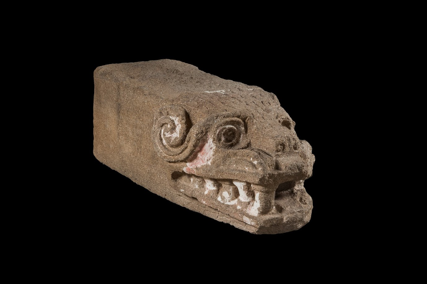 'Teotihuacan: City of Water, City of Fire' at the de Young Museum